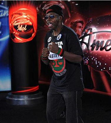 american-idol-larry-platt-pants-on-the-ground-